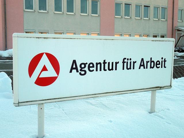 Jobcenter vs Bundesagentur fuer Arbeit