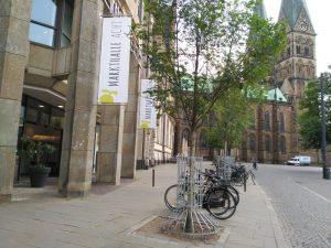 Markthalle Acth junto a la catedral de Bremen . Vista exterior de la fachada